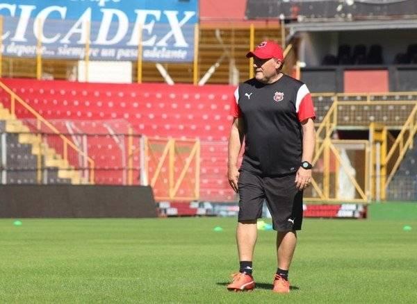 El Alajuelense de Costa Rica fue el último equipo de Israel. En enero pasado se hizo oficial la salida de dicho club por motivos de salud / Foto: Prensa LDA