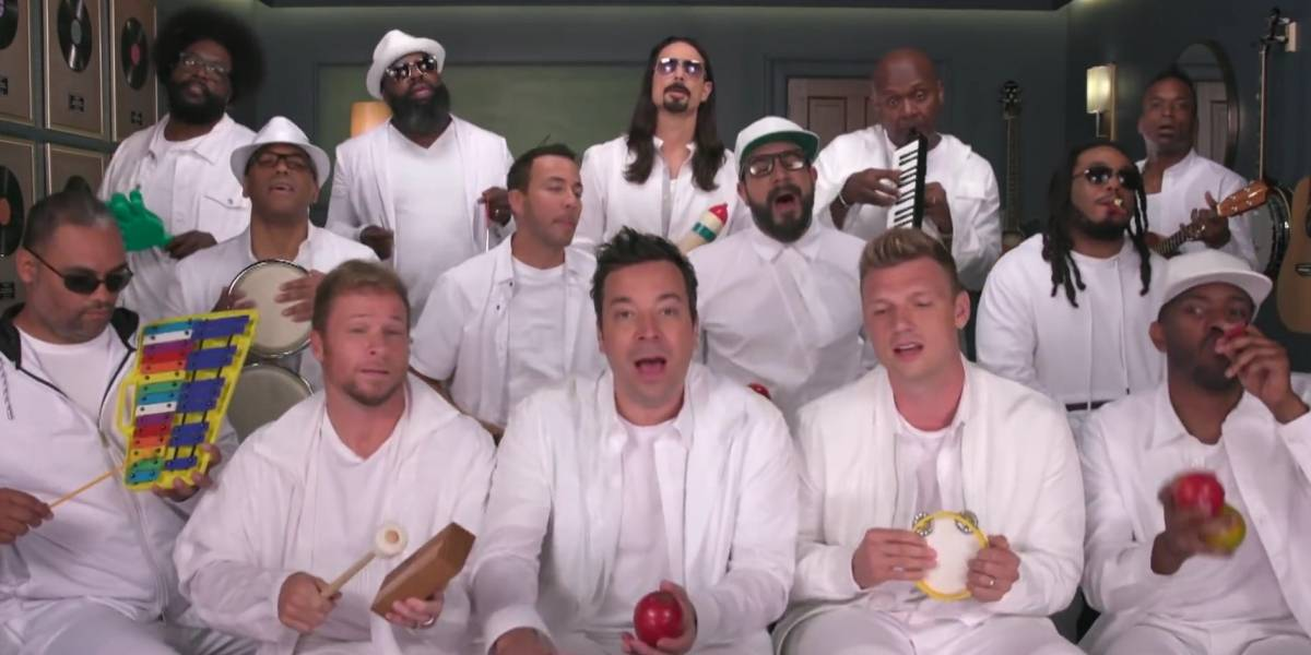 Backstreet Boys cantam I Want It That Way com instrumentos infantis; veja vídeo