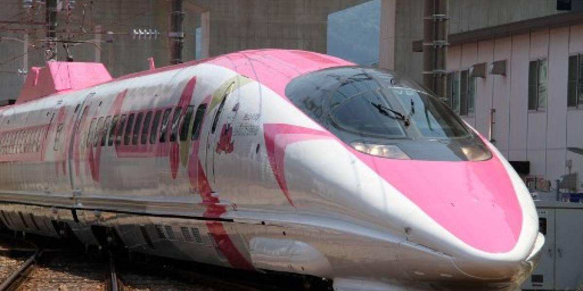 ¡Todos a bordo! El tren Hello Kitty inicia su recorrido por Japón