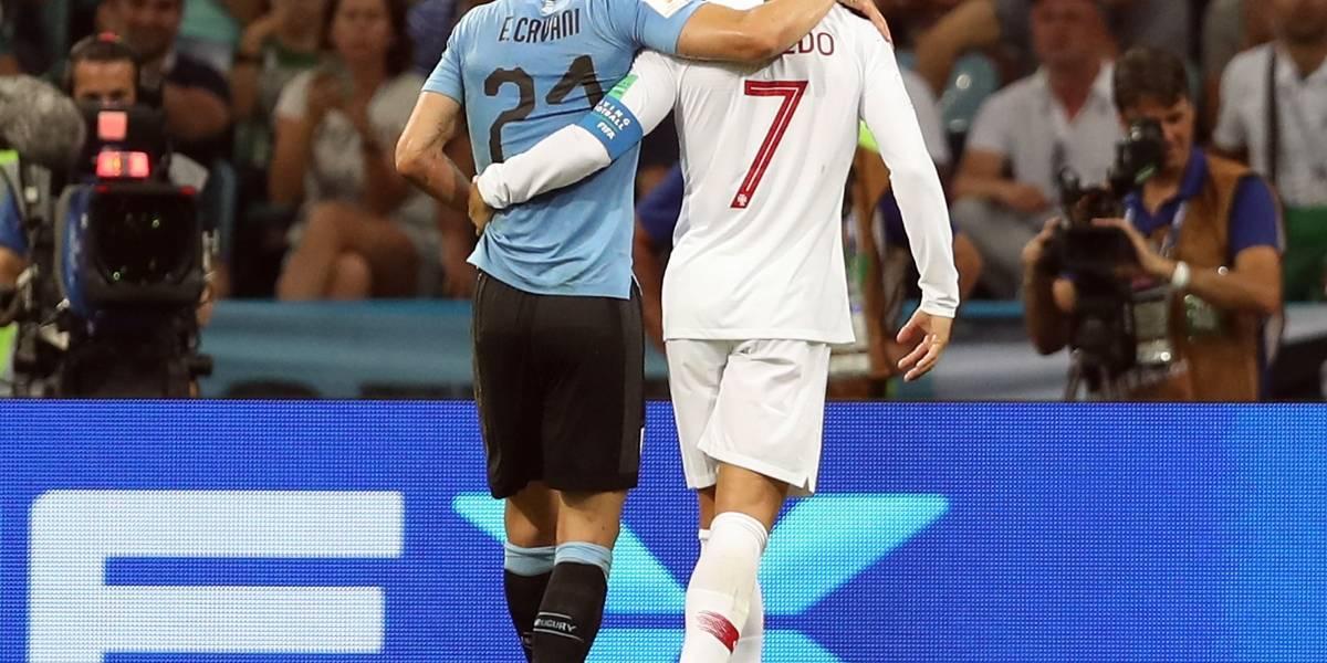¿Nobleza o afán? La polémica por el gesto de Cristiano Ronaldo con Cavani