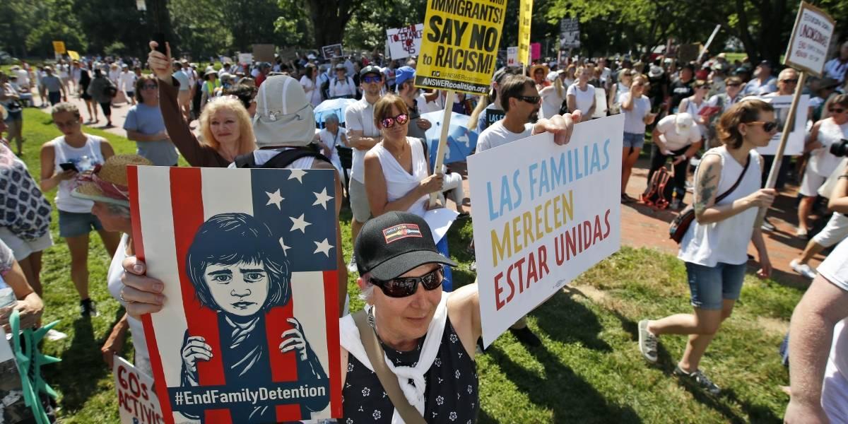 Miles marchan en contra de las políticas migratorias de Donald Trump