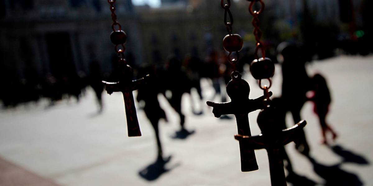 La denuncia que habría sido clave para la destitución de Francisco Cox del sacerdocio
