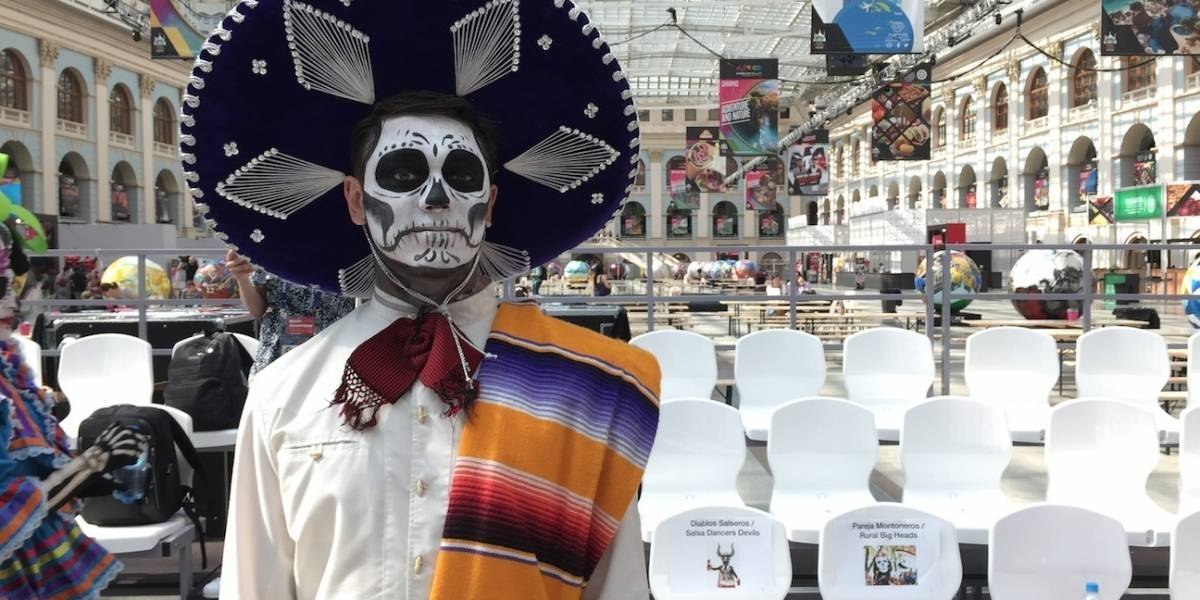 FOTOS. El Día de Muertos llega a Rusia durante el Mundial