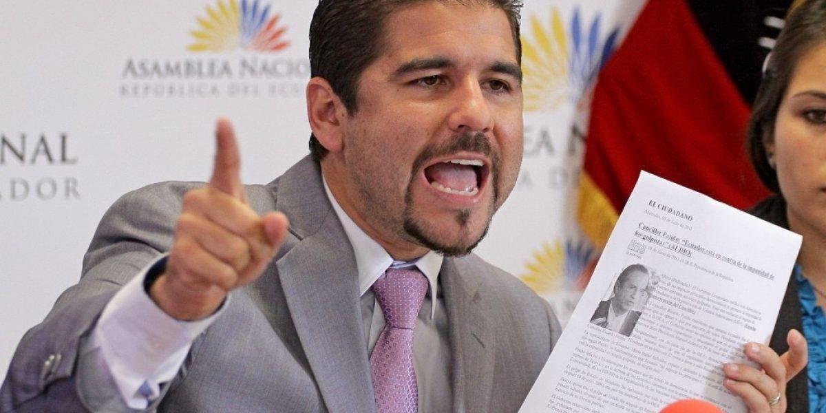 Dalo Bucaram se solidariza con las personas que han sido agredidas por Rafael Correa
