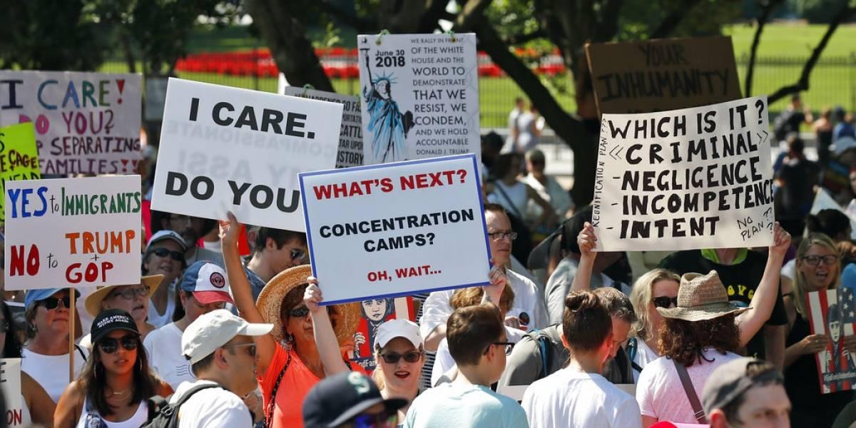 Miles marchan en todo EEUU contra política inmigratoria