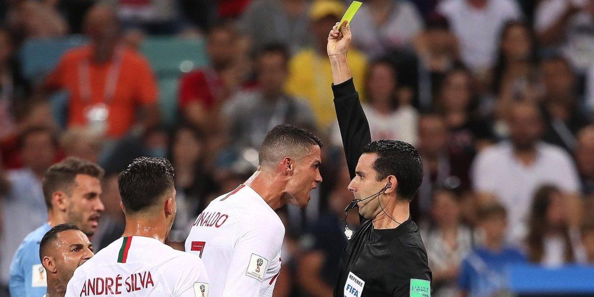 Árbitro mexicano amonesta a Cristiano Ronaldo