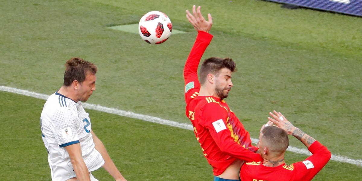 ¡Piqué da una mano a los rusos! Penal y gol de Dzyuba