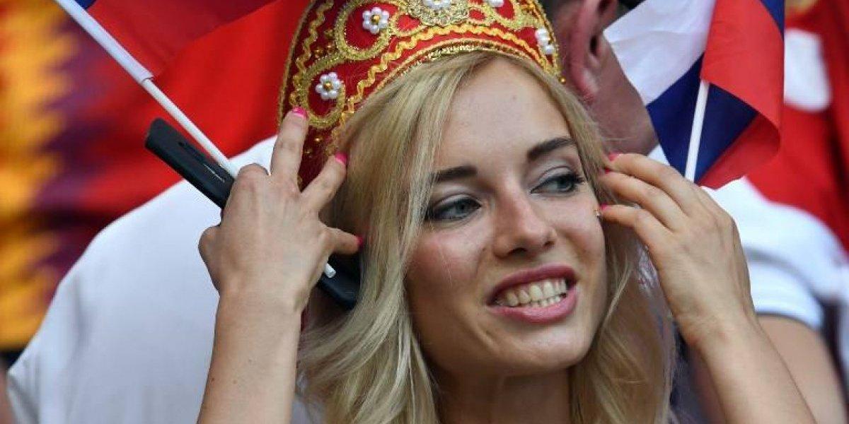 Actriz de cine para adultos vuelve a deslumbrar en un partido del Mundial de Rusia