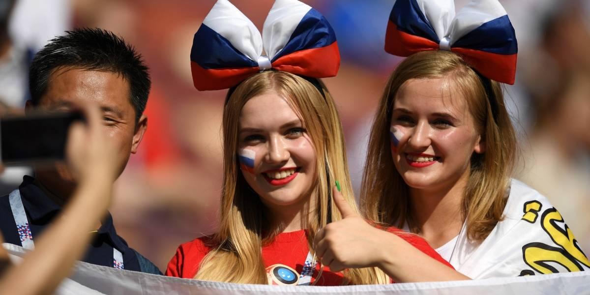 FOTOS: Las hermosas rusas que celebraron la victoria sobre España