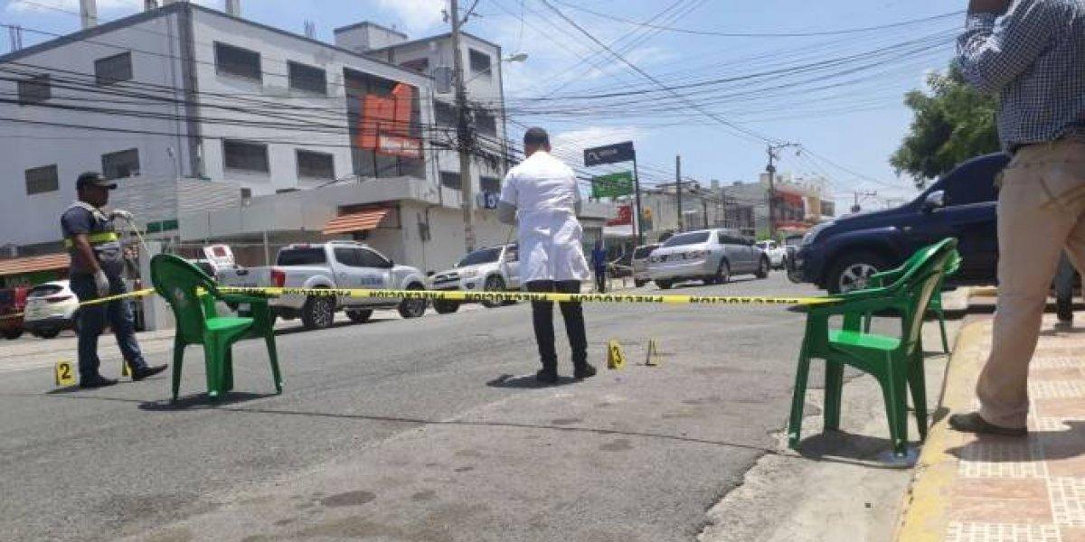 Muere uno de los policías heridos en operativo contra asaltante de banco