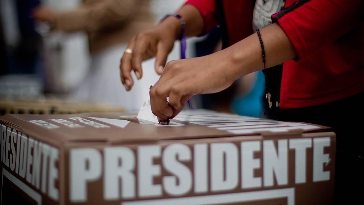 Las elecciones no acaban con la presidencia, y se necesitan credenciales vigentes para votar