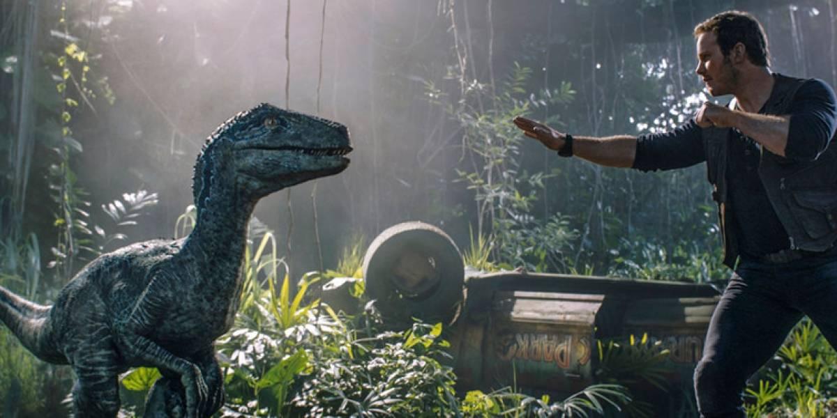 Jurassic World sigue primero en la taquilla de EEUU
