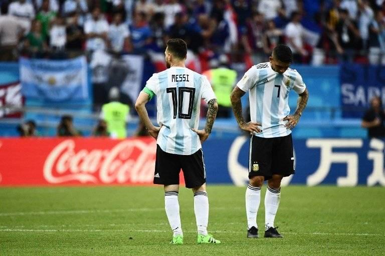 Messi y Banega desconsolados ante el nuevo fracaso argentino