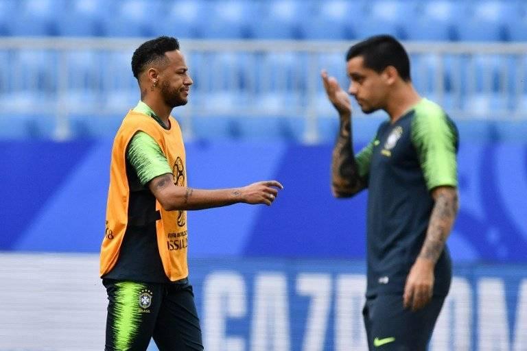 Neymar en el entreno de Brasil previo a jugar ante México