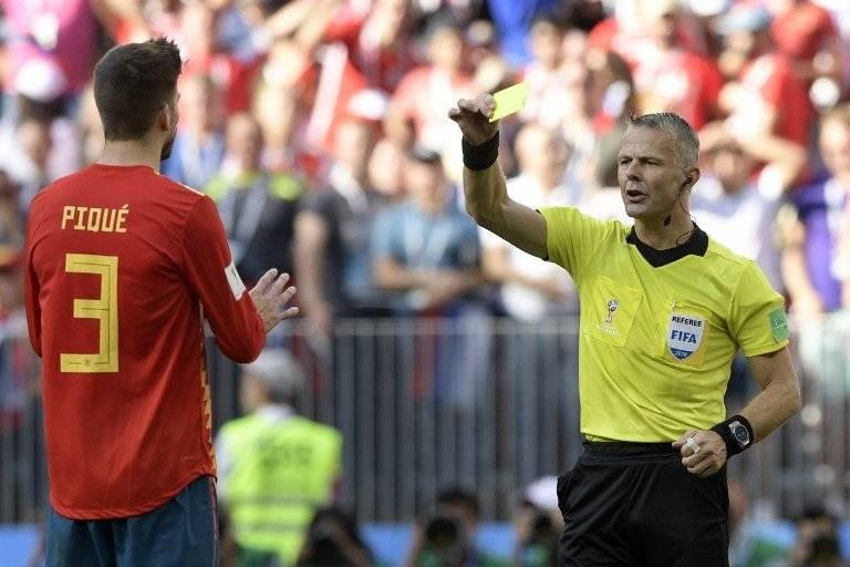 Gerard Piqué fue amonestado en la jugada del penal