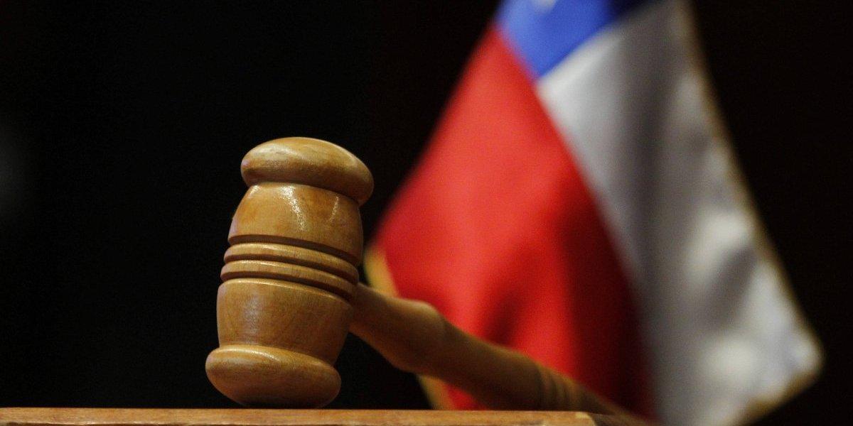 Asesinó a su hijo y culpó a delincuentes: Condenan a 20 años de cárcel a ex teniente de la Fach