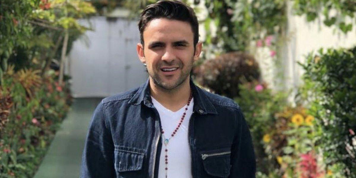 """Así lamenta Carlos Peña la eliminación de México a quienes les da una """"cristiana sepultura"""""""