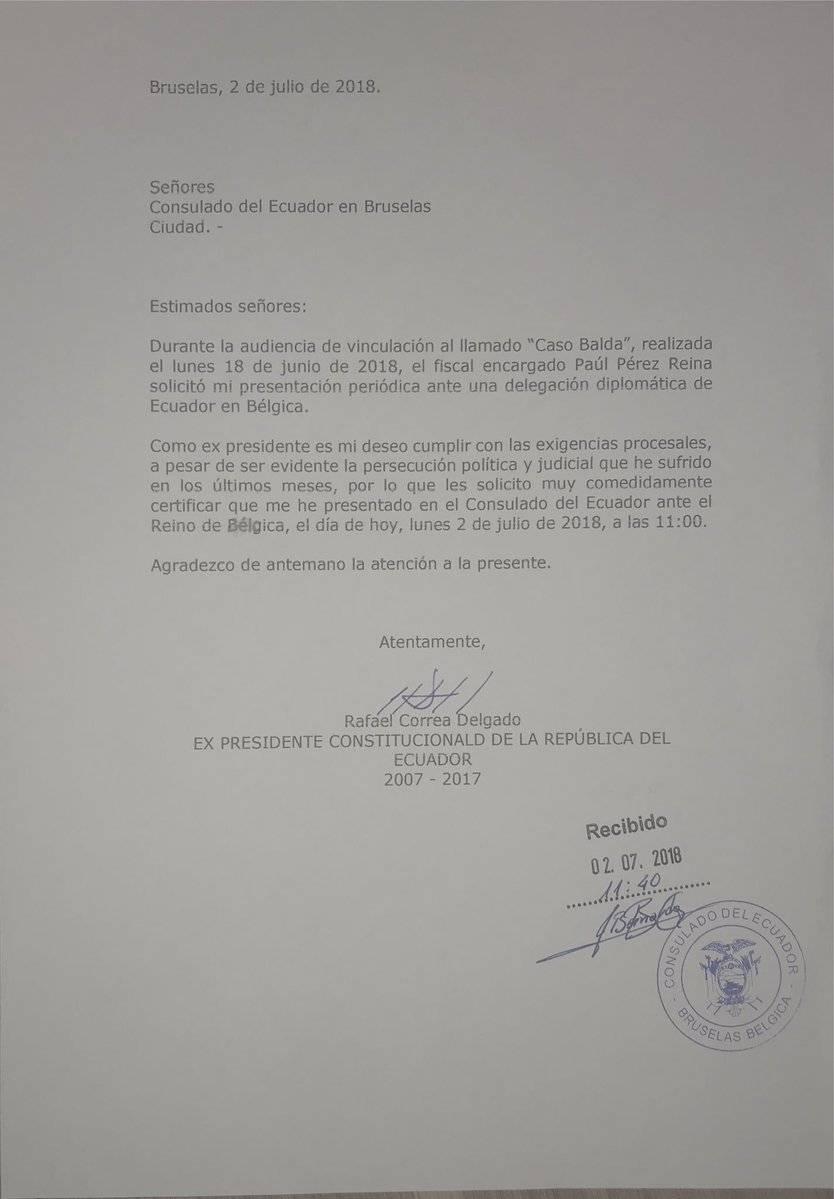 Rafael Correa se presentó ante el Consulado del Ecuador en Bruselas