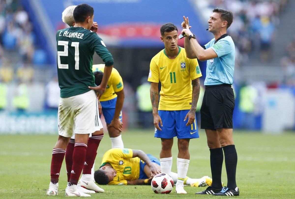 El árbitro Gianluca Rocchi fue muy criticado por Osorio