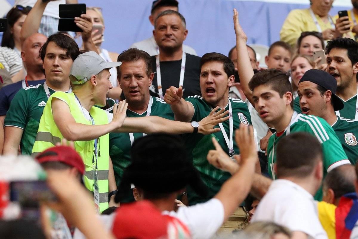 Peleas en el partido de México vs Brasil