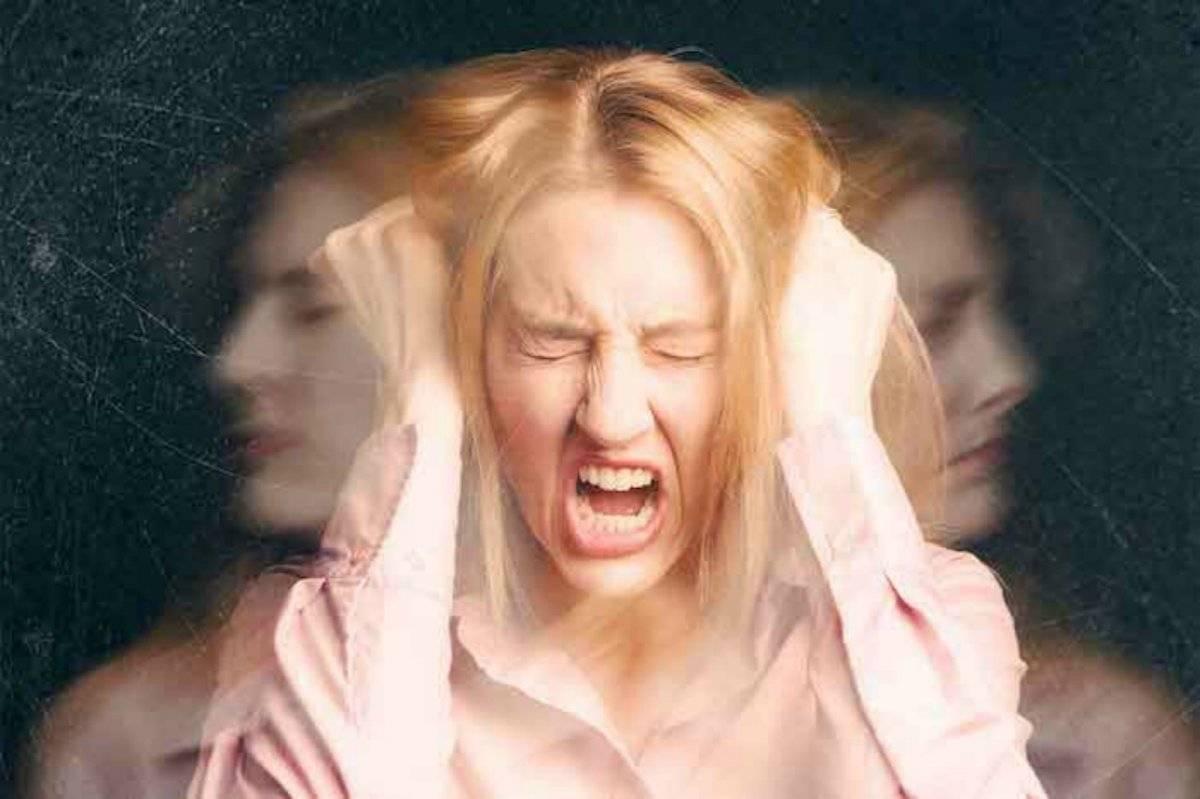 mamá con ira postparto
