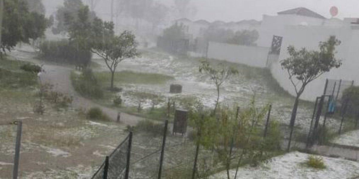 Lluvia con granizo en Villa Nueva provoca colapso de calles y deja mujer fallecida