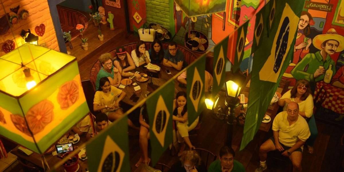Mexicanos fazem festa no Rio, mas lamentam derrota para o Brasil