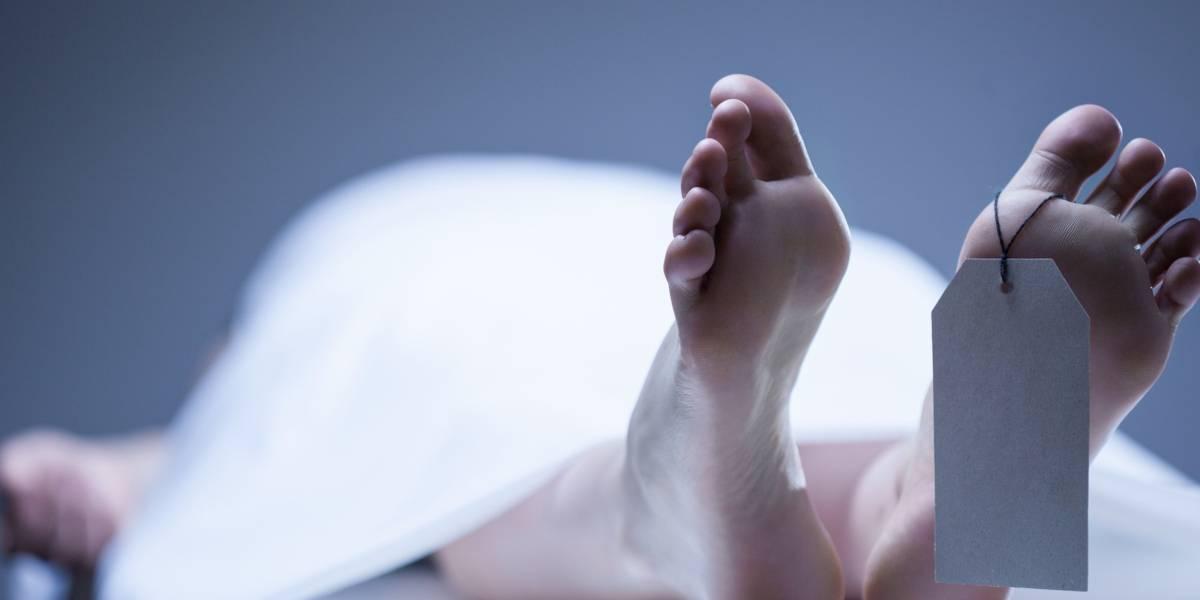 """La declararon muerta tras un accidente y cuando la sacaron de la cámara mortuoria para """"hacer el papeleo"""" los forenses descubrieron que aún respiraba"""