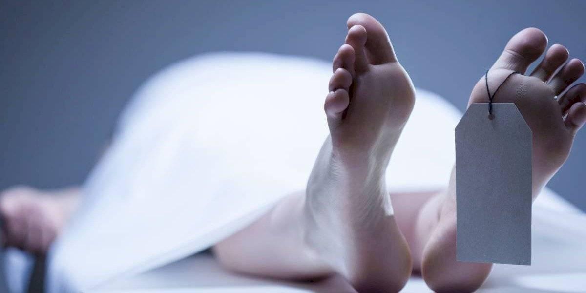 """Murió luego de que su mano se atorara en una mezcladora de carne y su cuerpo fuera """"absorbido"""" por la máquina"""