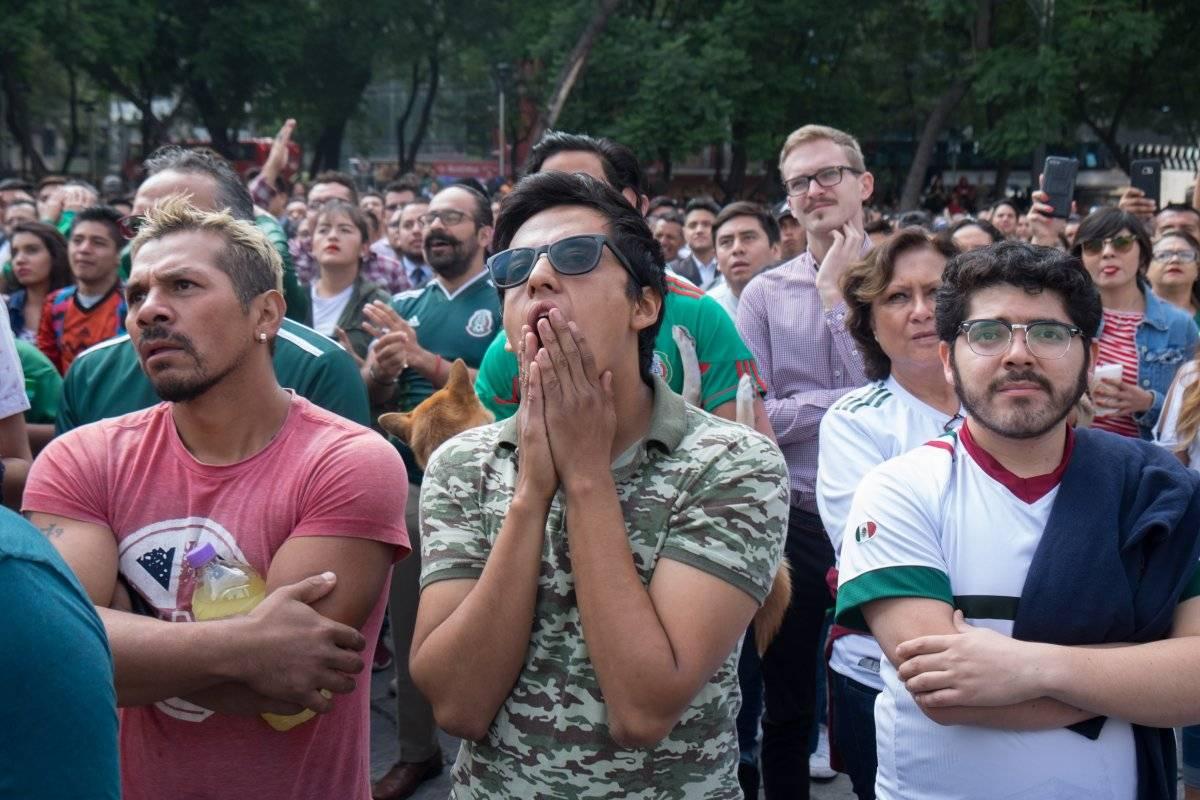 Afición mexicana sufre tras eliminación del mundial