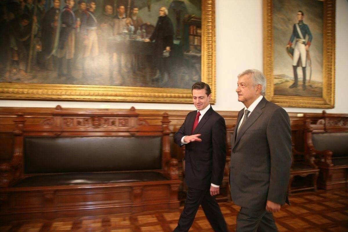 Esta mañana recibí en Palacio Nacional a Andrés Manuel López Obrador, durante el encuentro manifesté la disposición del Gobierno de la República para llevar a cabo una transición ordenada y eficiente en beneficio de las mexicanas y mexicanos.