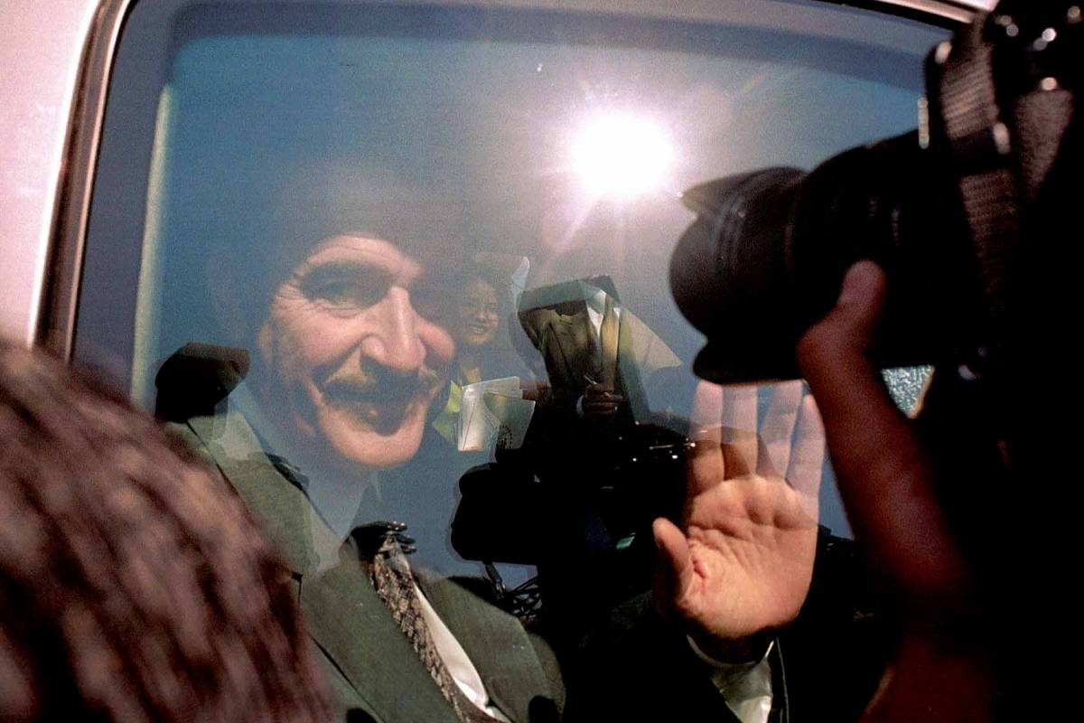 Vicente Fox en el año 2000, saliendo de su reunión con Ernesto Zedillo Foto: Cuartoscuro