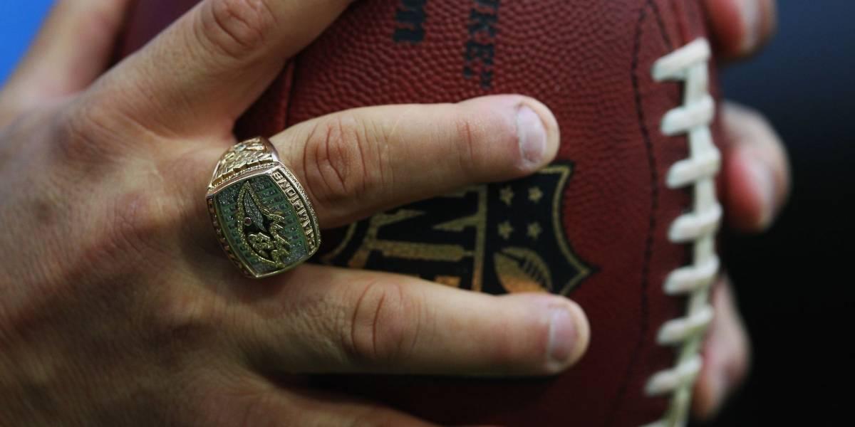 Detienen cargamento con más de 100 anillos falsos de Super Bowl