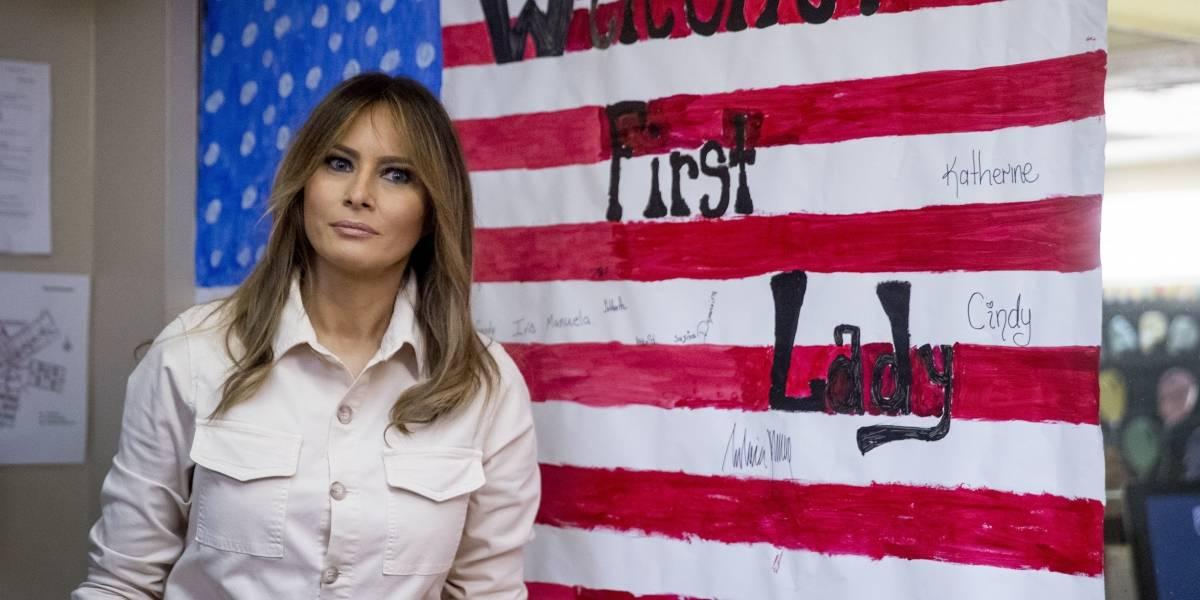 Melania Trump visita a militares en hospital en Washington