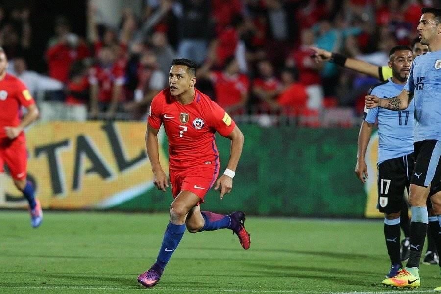 Alexis Sánchez fue la figura de la victoria 3-1 de Chile sobre Uruguay en Santiago / Foto: Agencia UNO