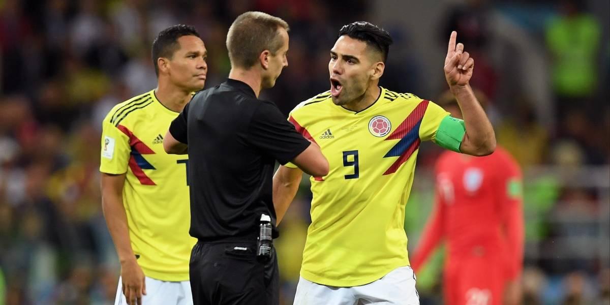 Los hinchas colombianos están indignados con el árbitro del partido contra Inglaterra