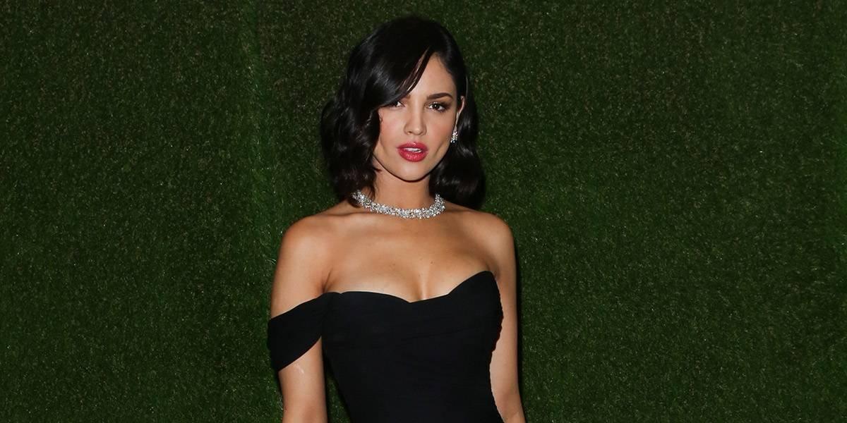 Critican sin piedad a Eiza González por lucir un bikini y mostrar imperfecciones