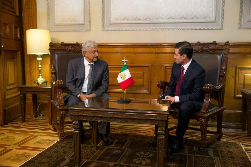 El mandatario y el virtual ganador de la elección presidencial se reunieron en Palacio Nacional Foto: Presidencia