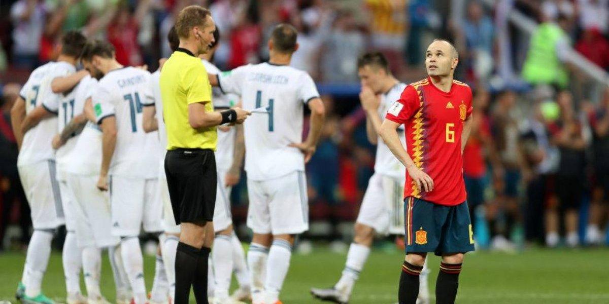 """El triste adiós de Iniesta a España: """"Terminé haciendo lo que es mejor para la selección"""""""