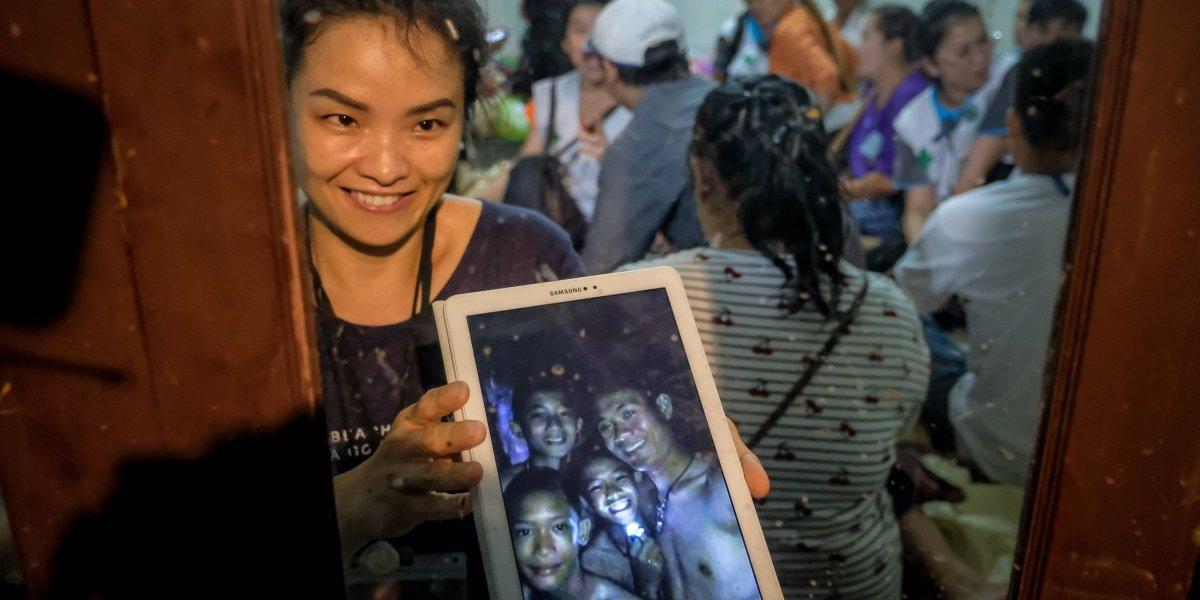 """""""La juventud cuenta a favor de los niños"""": especialista que participó en el rescate de los 33 mineros analiza rescate de menores en Tailandia"""