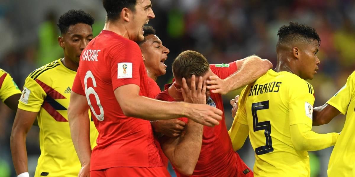 Polémica acción de Wilmar Barrios en Colombia contra Inglaterra