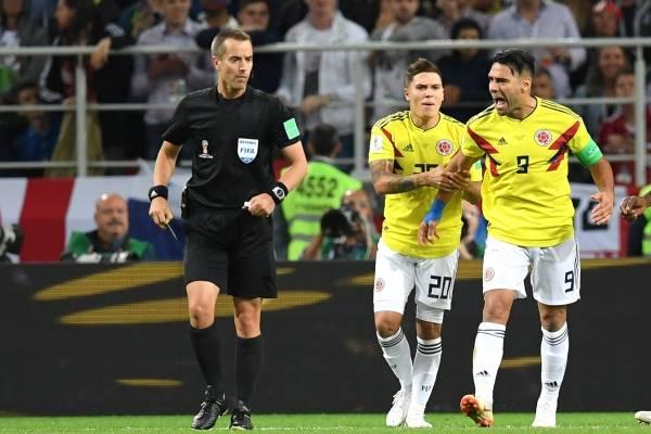 Grosero error del árbitro en el partido Colombia vs. Inglaterra