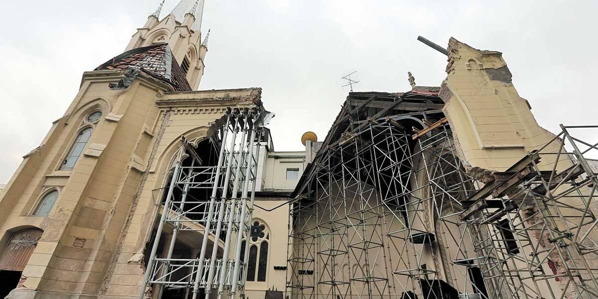 Igreja destruída por desabamento de prédio no centro de SP espera restauro