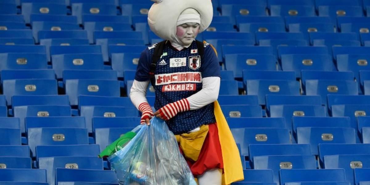 """FOTO. Japoneses dieron una lección al mundo con gesto y mensaje que dejaron en un """"impecable vestuario"""""""