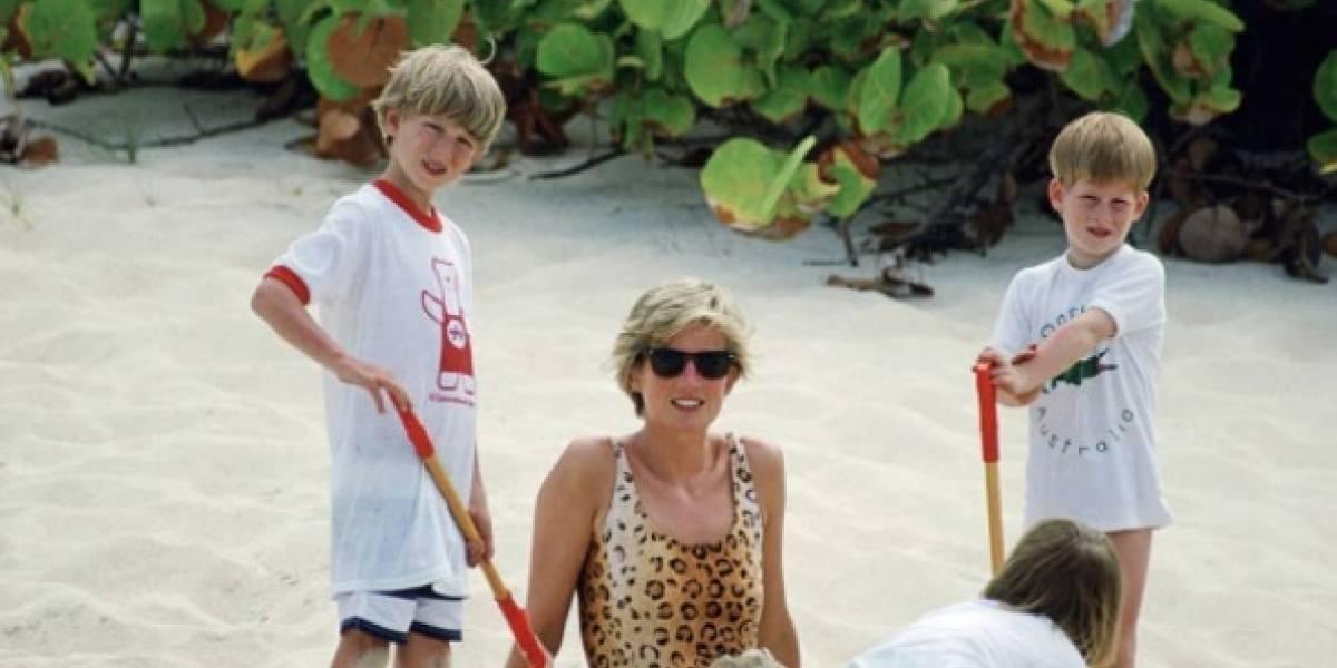 Reveladas fotos inéditas das últimas férias de Lady Di ao lado dos filhos