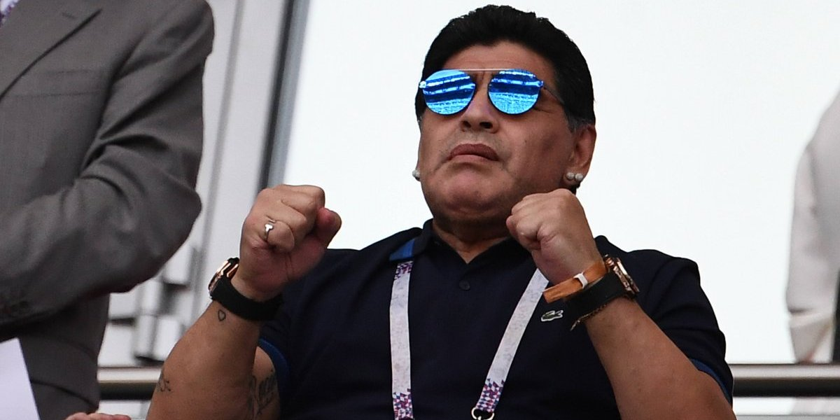 Maradona se ofrece para dirigir de gratis a Argentina