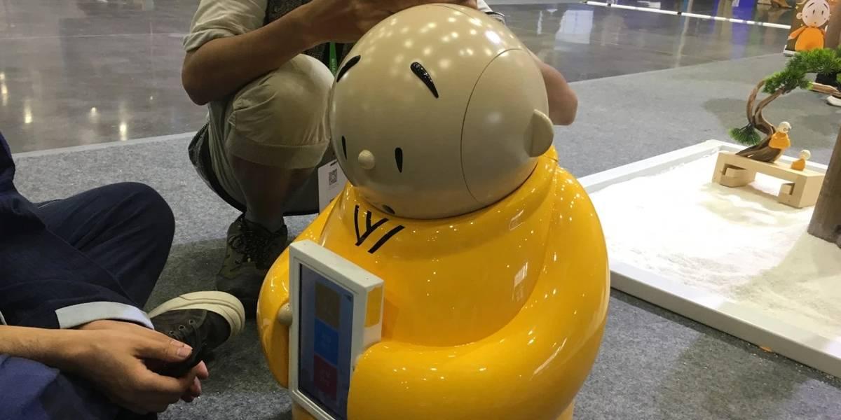 Chinos crean monje robot para templos budistas