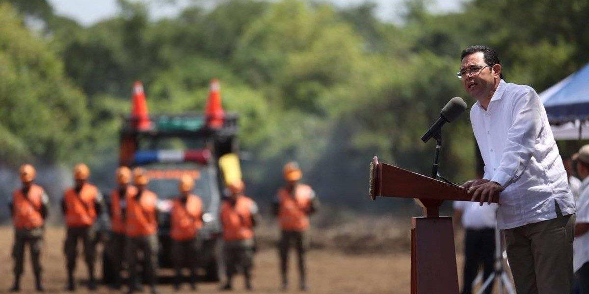 Gobierno devela monumento en memoria de víctimas de la erupción del volcán de Fuego