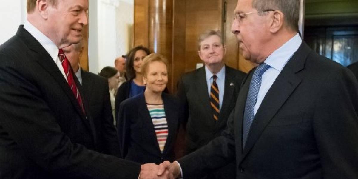 Lavrov recibe a senadores de EEUU antes de la cumbre Trump-Putin