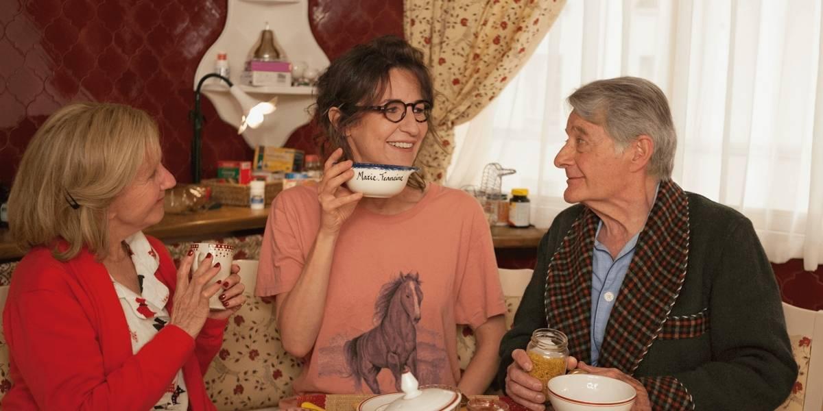 Comédia francesa 50 São os Novos 30 faz rir das relações familiares